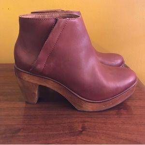 Anthro Kelsi Dagger Brooklyn Atena Clog Boots